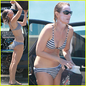 Helen Hunt Flaunts Her Fabulous Bikini Body at Age 51 - See the Photos!
