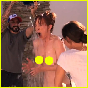 Kathy Griffin Gets Completely Naked for ALS Ice Bucket Challenge on 'Jimmy Kimmel Live' (Video)