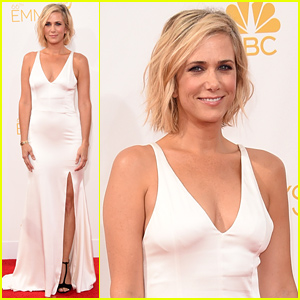 Kristen Wiig Looks So Sleek in White at the Emmys 2014