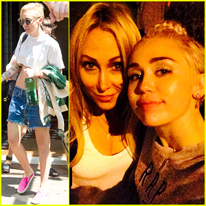 Miley Cyrus' Mom Tish Was Able to Make it To Her Concert!