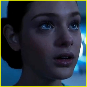 Watch an Exclusive Clip of Odeya Rush in 'The Giver' - Lip Lock Ahead!