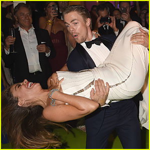 Sofia Vergara & Derek Hough Dance Together at Emmys After Party!