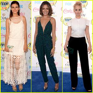 Victoria Justice & Italia Ricci Enjoy the Night of Fun at Teen Choice Awards 2014