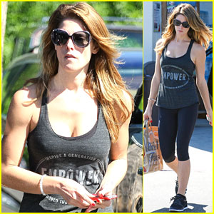 Ashley Greene is Getting Really Toned at the Gym!