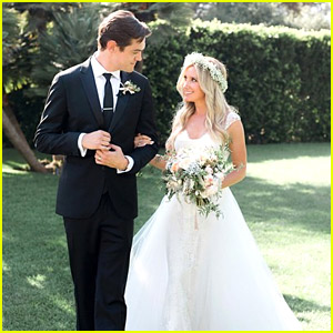 Ashley Tisdale Marries Christopher French - See the Wedding Photo!