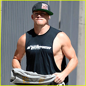 Channing Tatum Shows Off Big Muscles As 'Magic Mike XXL' Filming Begins!