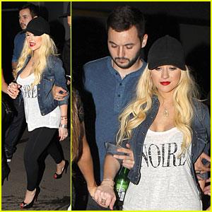 Christina Aguilera Debuts Post-Baby Body at Drake Vs. Lil Wayne Concert!