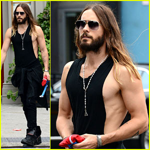 Jared Leto's Muscles Are on Full Display for Big Apple Outing!