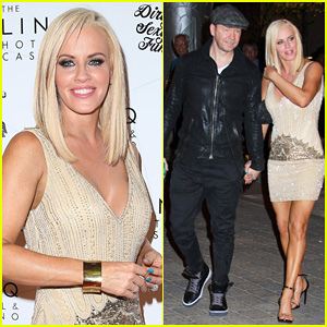 Jenny McCarthy & Donnie Wahlberg Treat Themselves to Romantic Ferris Wheel Ride After 'Dirty Sexy Funny' Event!