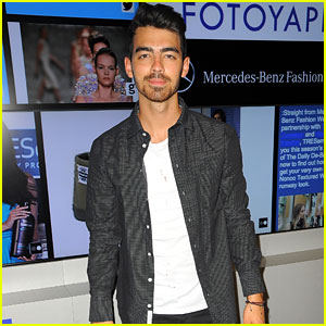 Joe Jonas Brings Handsome to the Fotoyapp at NYFW!