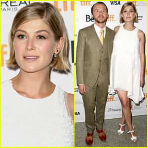 Gone Girl's Rosamund Pike Hides Her Baby Bump in a Billowy Dress at TIFF!