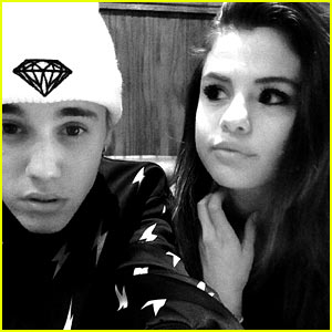 Justin Bieber & Selena Gomez Are Back On; Singer Confirms Relationship During Deposition
