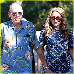 Photo of Amanda Bynes & her Father  Rick Bynes