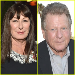 Anjelica Huston Says Ex Ryan O'Neal Brutally Assaulted Her