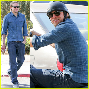 Charlie Hunnam Flashes His Gorgeous Smile on a Coffee Run
