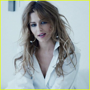 Cheryl Cole Drops Music Video for New Carefree Single, 'I Don't ...