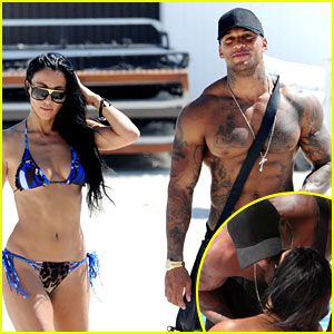 David McIntosh Blames Ex Kelly Brook for Leaking Nude Photos, Kisses His New Girlfriend in Public