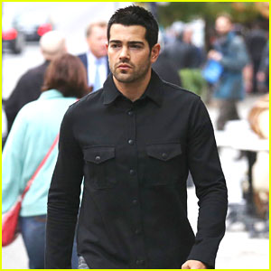 Jesse Metcalfe is Having a Blast Filming 'Dead Rising'