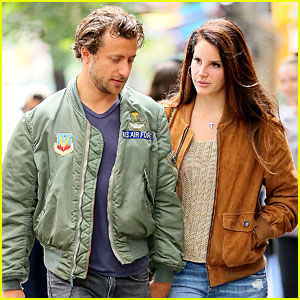 Lana Del Rey Only Has Eyes for Boyfriend Francesco Carrozzini!