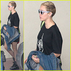 Miley Cyrus Gets New Tattoos With Brother Braison in Melbourne