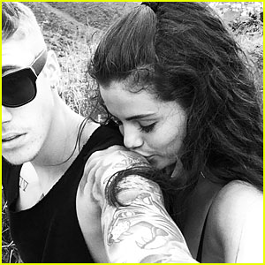 Justin Bieber Shares New Pic Of Selena Gomez Kissing His Arm