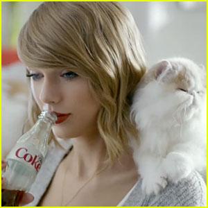 La giovane cantautrice county Taylor Swift sta diventando il simbolo della riscossa degli artisti per ottenere un ritorno economico superiore dal loro lavoro. Un suo tweet ha fatto cambiare politica alla Apple, una cosa che non si era mai vista.
