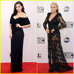 Charli XCX & Katy Tiz Show Major Cleavage at American Music Awards 2014
