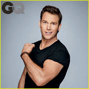 Chris Pratt Flexes His Huge Muscles for 'GQ' Men of the Year!