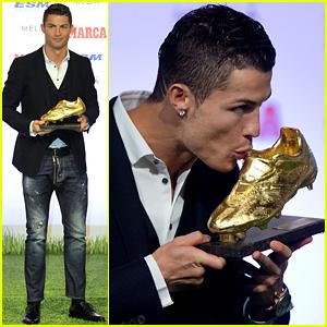 Cristiano Ronaldo Receives Third Golden Boot Award of His Career!