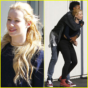 Iggy Azalea & Boyfriend Nick Young Have an Adorable Dance Session
