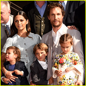 Matthew McConaughey Brings the Whole Family to Hollywood Walk of Fame Ceremony!
