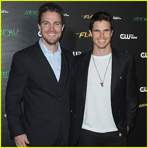Stephen Amell Teases 'Arrow' & 'Flash' Crossover Episode!
