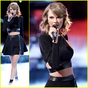 Taylor Swift Performs 'Blank Space' on 'The V