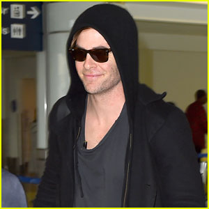 Chris Pine Shows Off His Handsome Smile at the Airport
