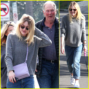 Dakota Fanning Leaves New York City to Spend Time with Her Family
