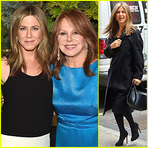 Jennifer Aniston & Marlo Thomas' 'Friends' Reunion Makes Our Day Even Better!