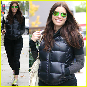 Jessica Biel Looks So Happy, Hides Her Baby Bump for Lunch with Friends
