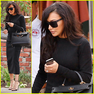 Naya Rivera Is Making 'Christmas Magic'