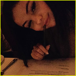 Selena Gomez Officially Signs a Record Contract!