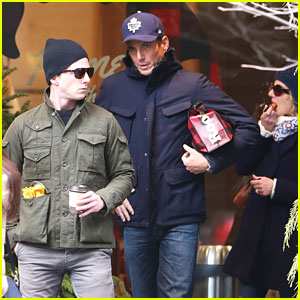 Will Arnett Spends His Thanksgiving with a Group of Close Friends