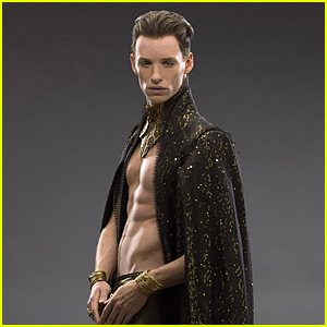 Shirtless Eddie Redmayne Shows Off Impressive Six-Pack Abs in Sexy 'Jupiter Ascending' Still