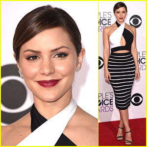 Katharine McPhee is Sexy in Stripes at People's Choice Awards 2015