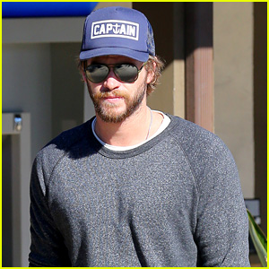 Liam Hemsworth Back in the States After Wrapping 'Dressmaker'