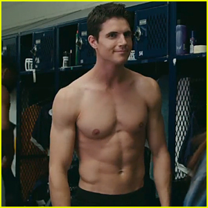 Robbie Amell Goes Shirtless Sexy in 'The Duff' Trailer - Watch Now!