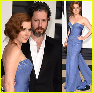 Amy Adams Parties at Vanity Fair's Oscars 2015 Bash with Fiance Darren Le Gallo