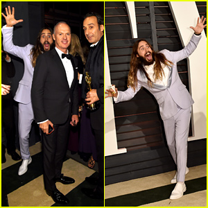 Jared Leto Photobombs Micheal Keaton & More at Oscars 2015 After Party!
