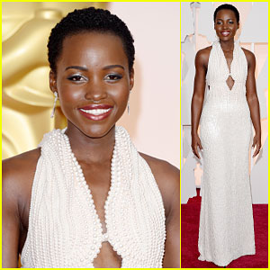 Lupita Nyong'o Looks Like a Princess at Oscars 2015