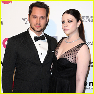How to Get Away with Murder's Matt McGorry & Michelle Trachtenberg Walk the Oscars 2015 Party Carpet Together