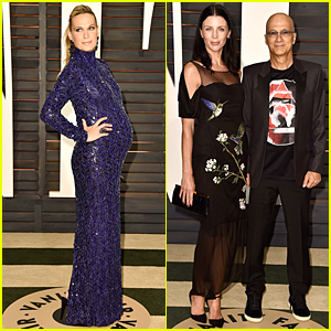 Molly Sims Is Nine Months Pregnant at Vanity Fair Oscar Party 2015