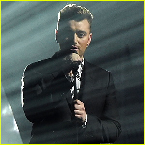 Sam Smith Performs 'Lay Me Down' at BRIT Awards 2015 (Video)